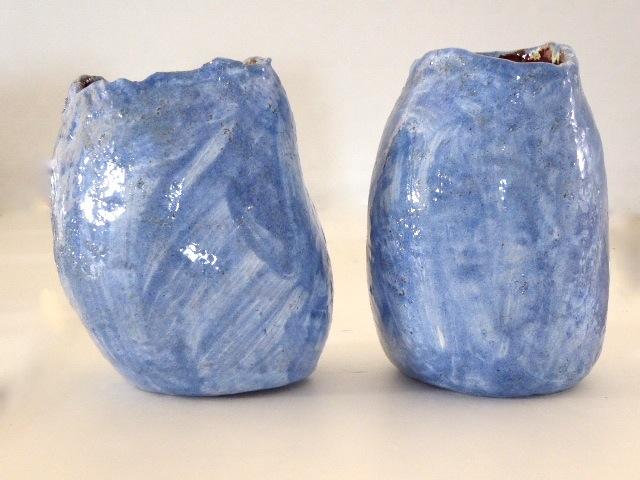 Twee Vaas Ornamenten Hoog 23 Cm. Halzen 12/14 Cm. € 95.--